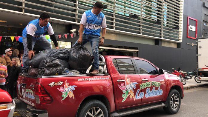 Jorge Castillo del lado de la gente: entrega de donaciones a hogares de niños
