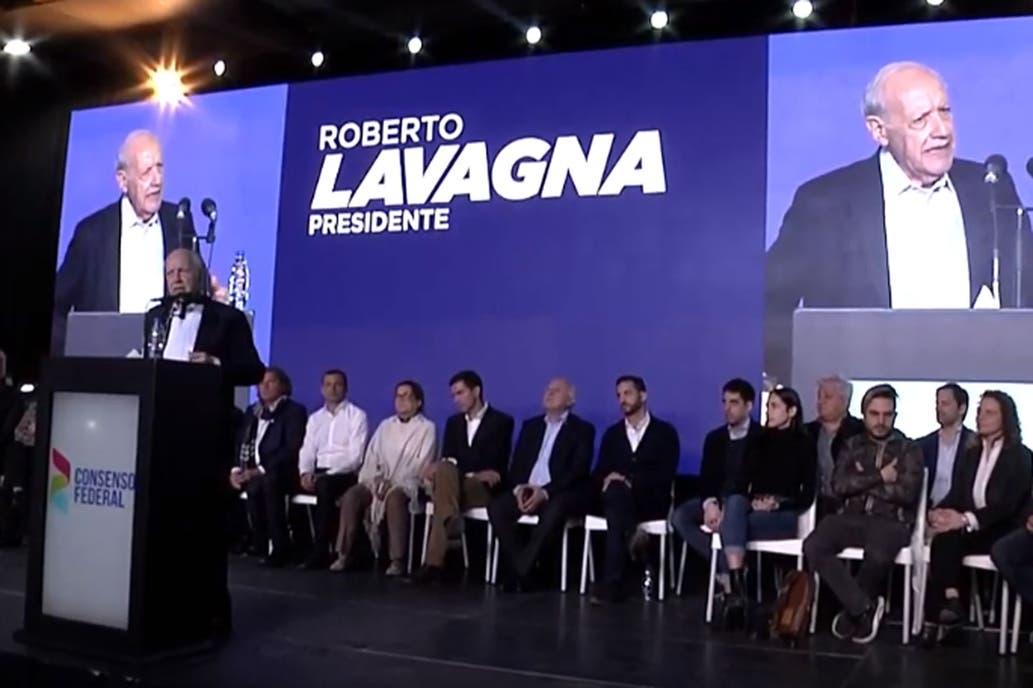 Lavagna prometió «resolver el 35% de pobreza»