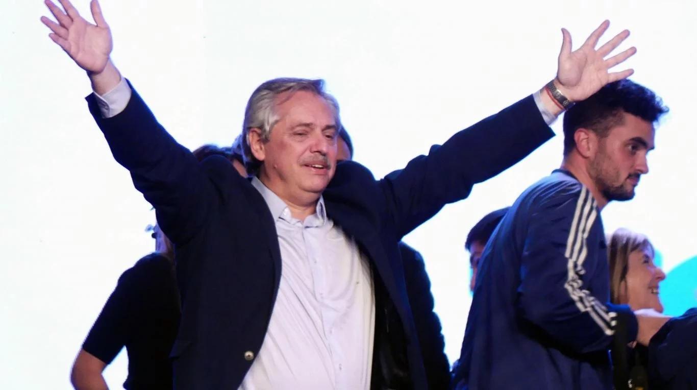 Alberto Fernández prometió hacer «honor a cada palabra y a cada cosa» prometida en la campaña