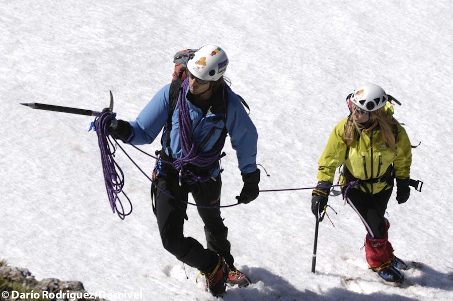 ¿Qué función cumple y cómo se forma un guía de montaña?