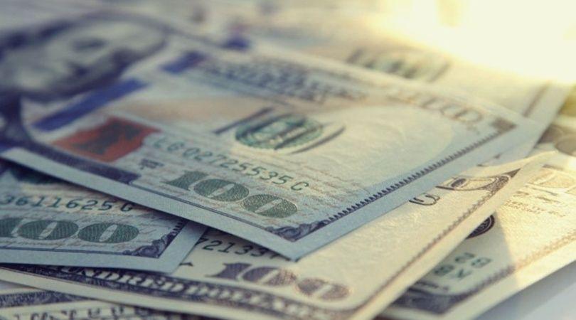 El dólar cerró a $63,45 en el primer día de cepo
