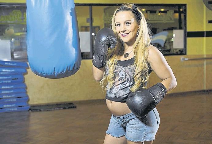 ¿Un embarazo puede arruinar la carrera de una boxeadora?