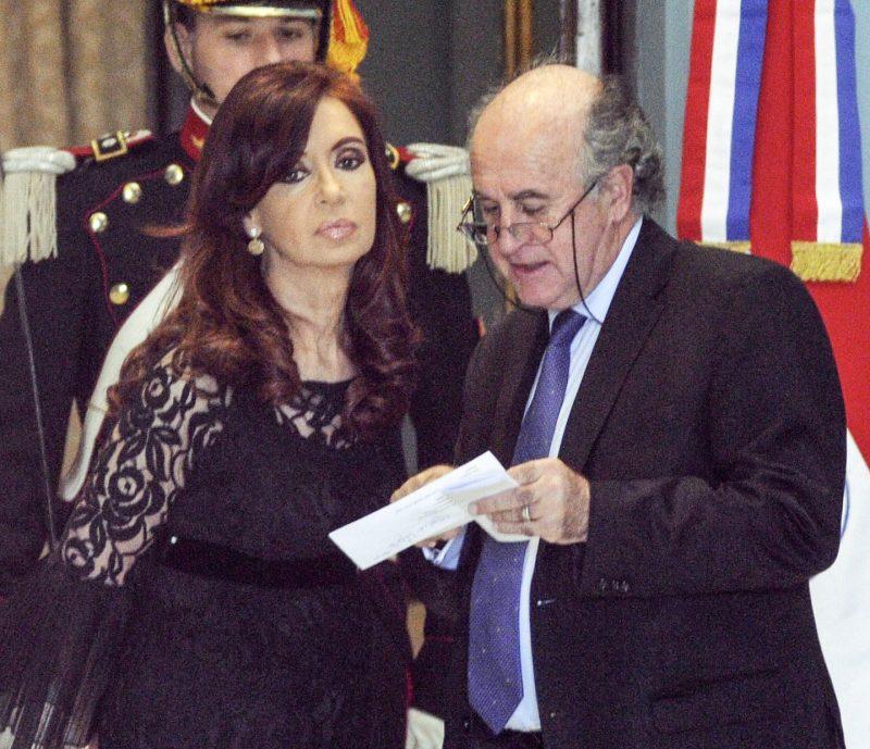 Oscar Parrilli: «Ojalá el Gobierno acierte con alguna medida»