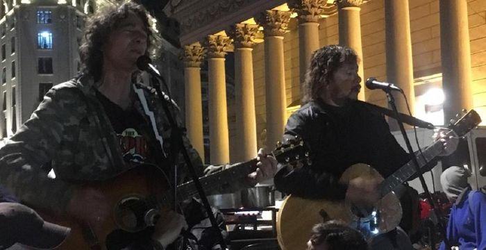 Javier Calamaro luego del show en Plaza de Mayo: «Juan Carr es como la Madre Teresa»