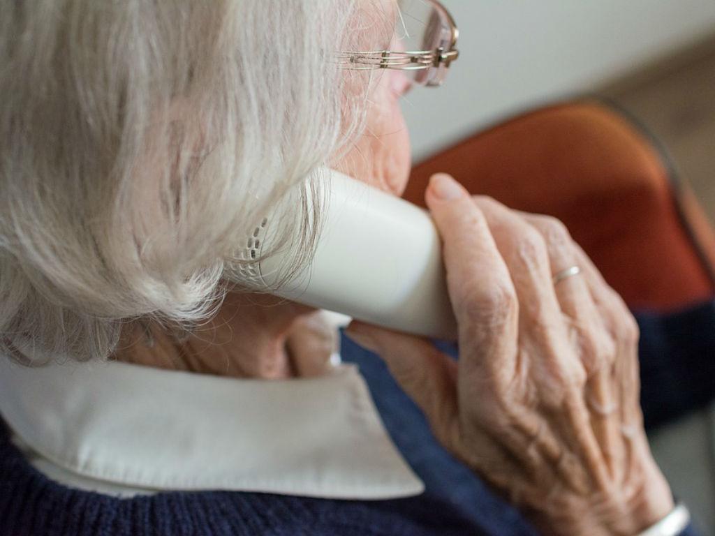Jubilados: alerta por estafas y cuentos del tío