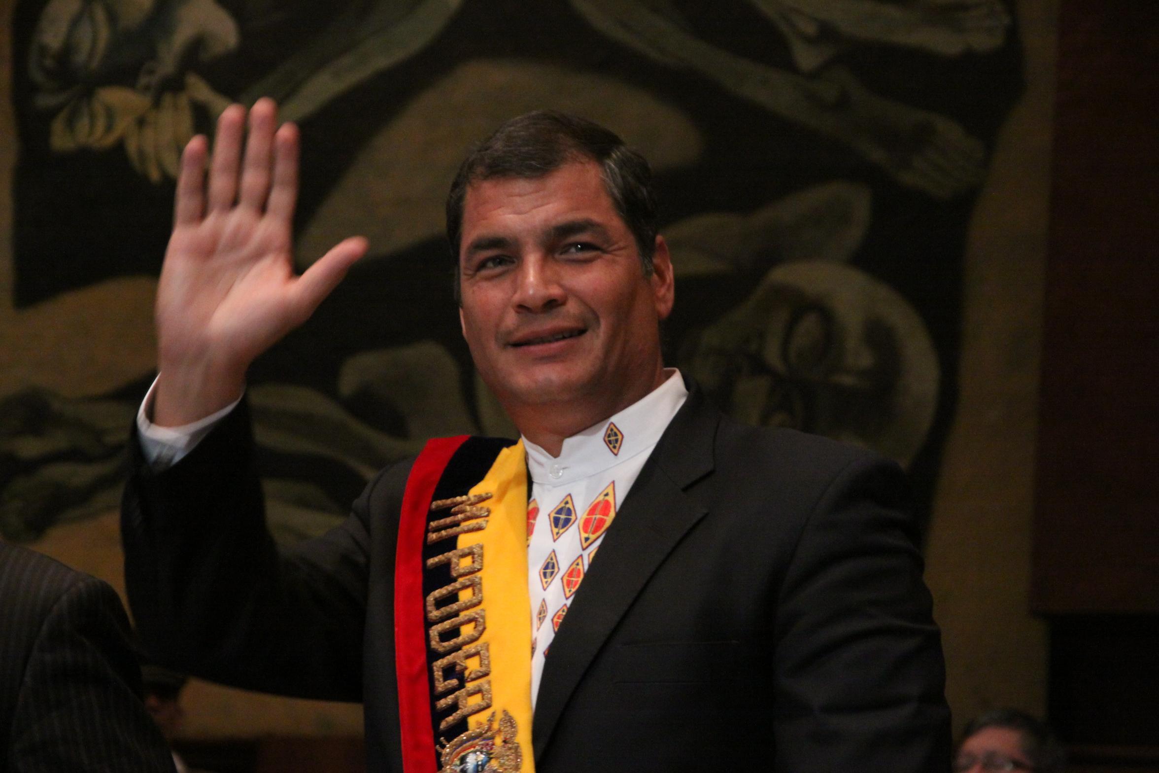 Rafael Correa: «Bolsonaro es un mono con navaja»