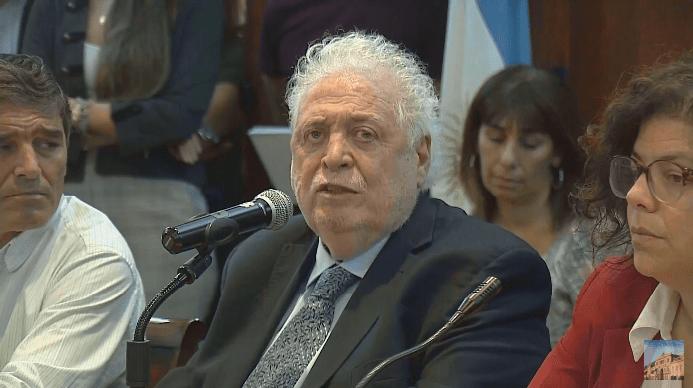 Ginés González García confirmó que la curva de contagios está por debajo de lo previsto